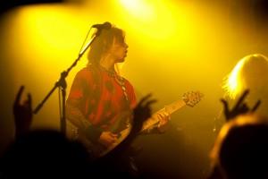 live-03