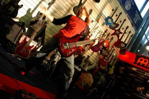 live-09